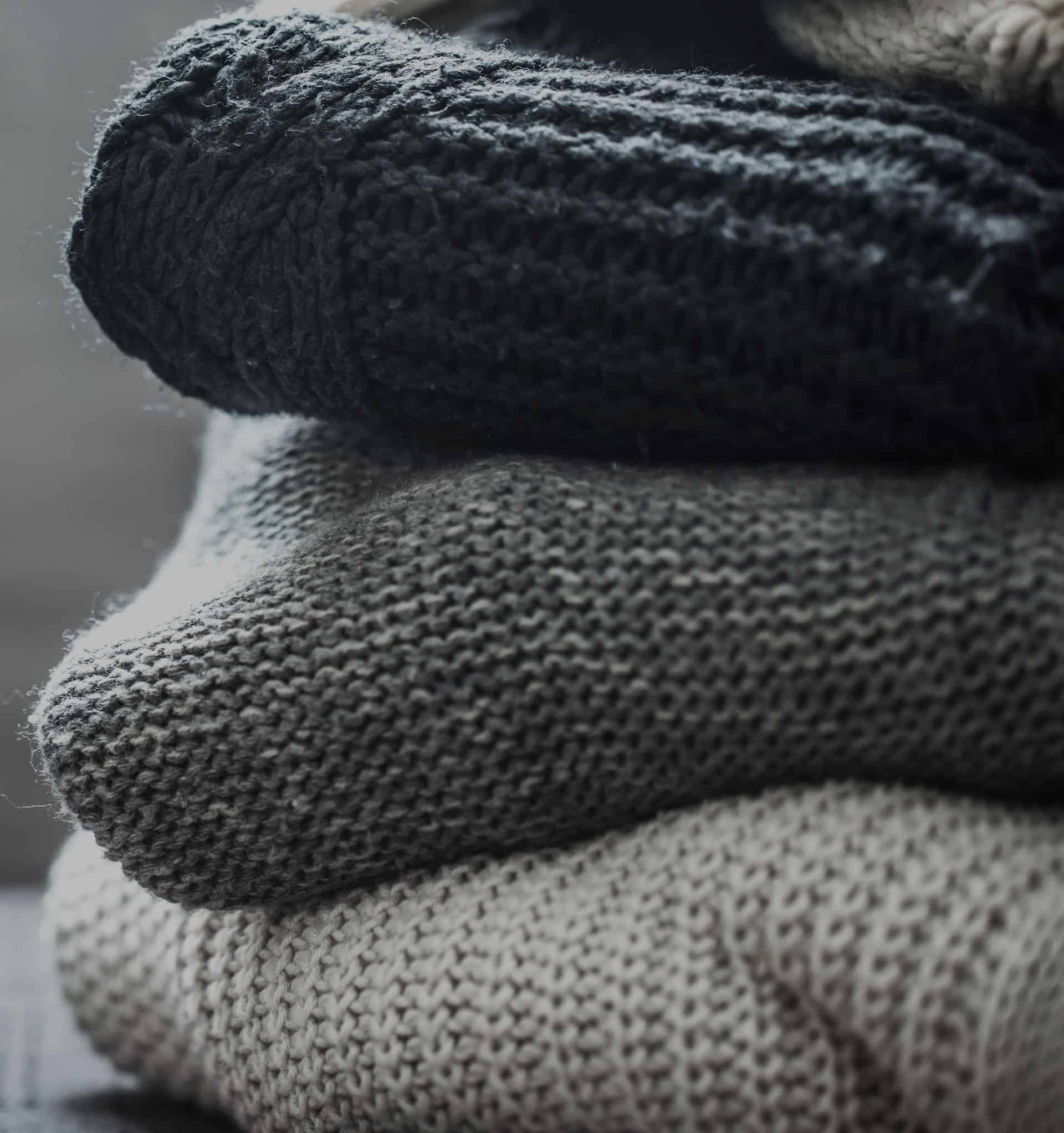 Knitted Sweaters Dark.Crop